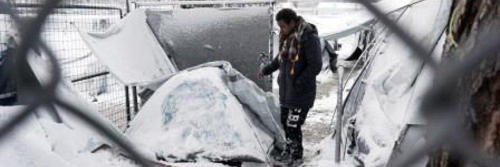 235785_greece-europe-migrants-weather-snow_ptt.jpg