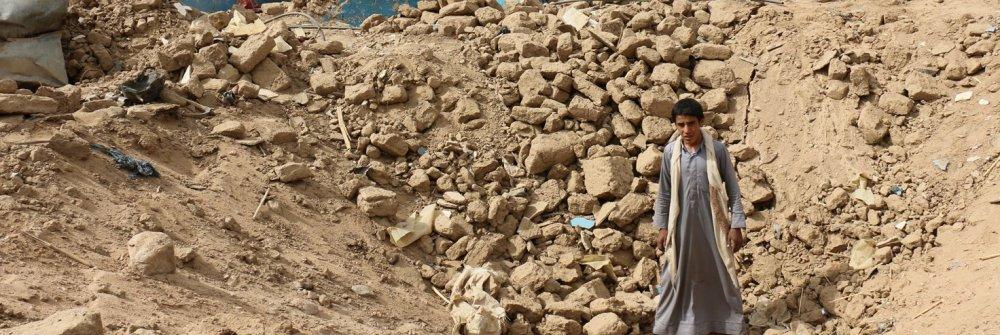 218947_crater_caused_by_saudi_arabia-led_coalition_airstrike_bani_ma_ath_sa_da-1.jpg